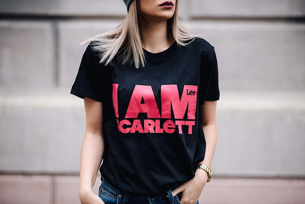 T-shirt Scarlett Black