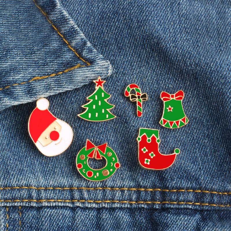 Ozdoby Mikołajkowe na kurtce jeansowej